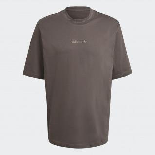 Camiseta con el logotipo de Adidas centrado