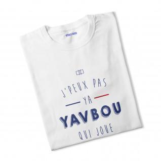 La mujer de las camisetas Ya Yavbou, que interpreta